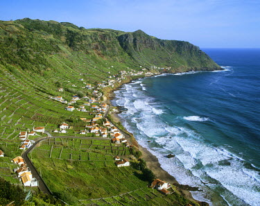 POR0711AW Sao Lourenco Bay with terraced vineyards by the sea. Santa Maria, Azores islands, Portugal
