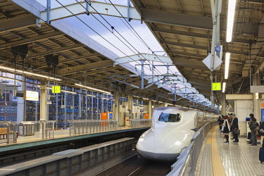 TPX20883 Japan, Kyoto Station, Shinkansen Train