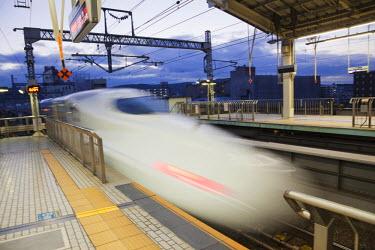 TPX20878 Japan, Kyoto Station, Shinkansen Train