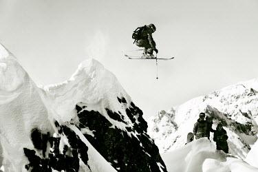 AR3108200005 Andorra la Vella, Andorra, Andorra: One skier jumping during El Dorado Freeride competition, Andorra.