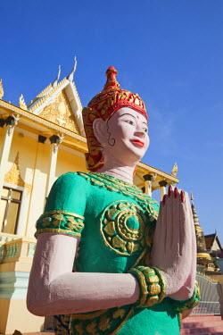 TPX21778 Cambodia, Phnom Penh, Statues in Wat Botum