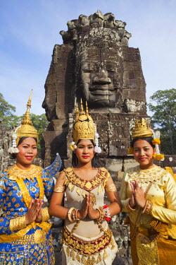 TPX22041 Cambodia, Siem Reap, Angkor Thom, BayonTemple, Apsara Dancers