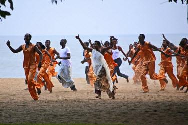 RW1162AW Gisenyi, Rwanda. A contemporary dance group perfoms at FESPAD pan African dance festival.