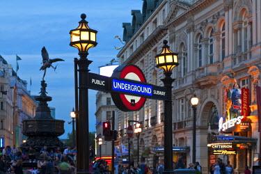 UK10351 United Kingdom, England, London, Piccadilly Circus, Piccadilly underground station