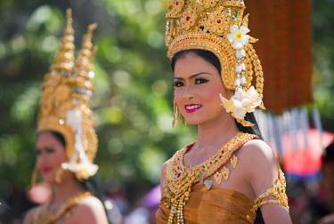 THA0244 Thailand, Surin, Surin.  Thai dancer in ornate costume during the Elephant Roundup festival.