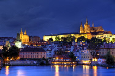 CZ01285 Czech Republic, Prague, Stare Mesto (Old Town), Charles Bridge, Hradcany Castle and St. Vitus Cathedral