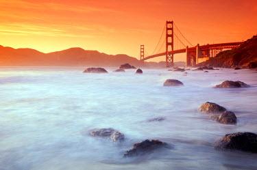 US10566 USA, California, San Francisco, Golden Gate Bridge from Marshall Beach