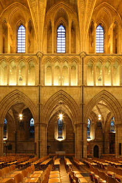 ENG9935 England, London. Southwark Cathedral or The Cathedral and Collegiate Church of St Saviour and St Mary Overie, Southwark, London, lies on the south bank of the River Thames close to London Bridge. It i...