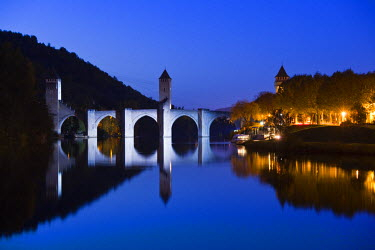 FR06328 France, Midi-Pyrenees Region, Lot Department, Cahors, Pont Valentre, midieval bridge, Lot River