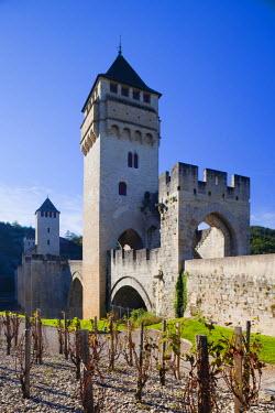 FR06320 France, Midi-Pyrenees Region, Lot Department, Cahors, Pont Valentre, midieval bridge, Lot River