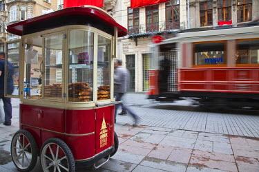TK01395 Nostalgic tram on Istiklal Caddasi, Beyoglu area, Istanbul, Turkey