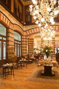 TK01366 Kubbeli Saloon in the Pera Palace hotel, Beyoglu area, Istanbul, Turkey