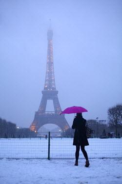 AR4183700004 Eiffel Tower in Snow, Paris, France