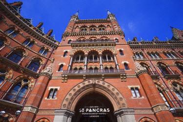 TPX23505 England, London, St.Pancras, Facade of Marriot Renaissance Hotel
