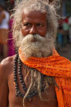 IND6377 A Hindu holy man, or Sadhu, near Manikula on the outskirts of Kolkata.