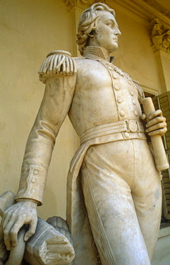 IND6659 India, West Bengal, Barrackpore, nr. Kolkata. A marble statue of Sir William Peel (third son of Sir Robert Peel) stands in the gardens of Flagstaff House in Barrackpore, one of several which were move...