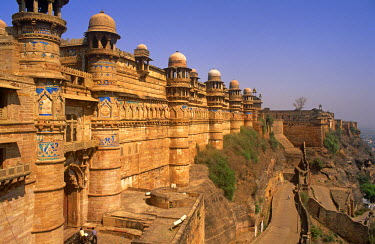 IND6681 India, Madhya Pradesh, Gwalior. Built in the late 15th-century by Man Singh Tomar, one of the greatest kings of the Gwalior kingdom, the Man Mandir Palace (sometimes called the Chit Mandir or painted...