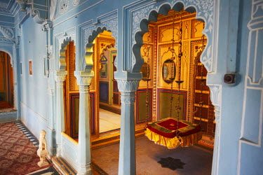 IND6769AW Interior of City Palace, Udaipur, Rajasthan, India