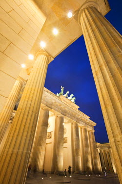 DE01368 Brandenburg Gate, Berlin, Germany