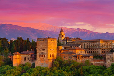 ES05515 The Alhambra Palace at sunset, Granada, Granada Province, Andalucia, Spain