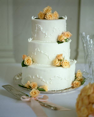 NP00279439 A beautiful wedding cake