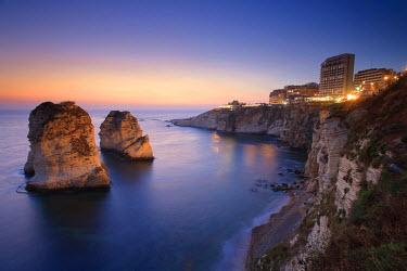 LB01032 Lebanon, Beirut, the Corniche, Pigeon Rocks