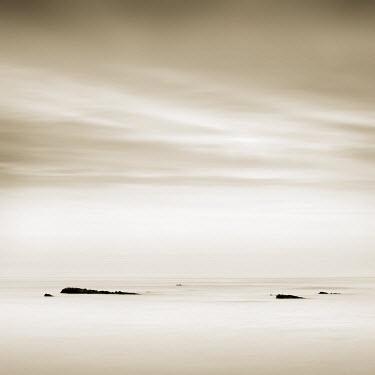 FRA7138AW Quet morning, near Biarritz, Aquitaine, France