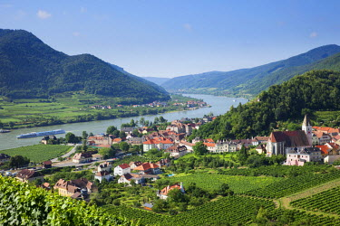 TPX25536 Austria, Wachau, Spitz and Danube River