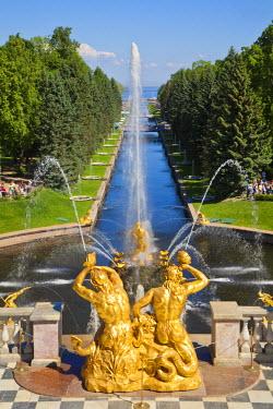 RU02180 Russia, St Petersburg, Peterhof Palace(Petrodvorets) Grand Cascade