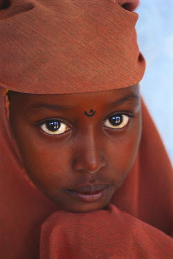 NP00342483 Portrait of a Muslim girl Somalia, Africa