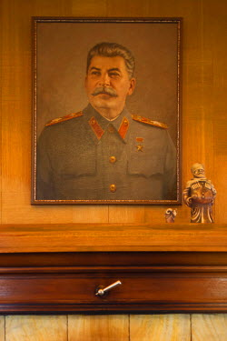 RU06017 Russia, Black Sea Coast, Sochi, Stalin Dacha, summer house of Soviet Dictator Joseph Stalin on the gounds of the Zelenaya Roscha sanitorium, portrait