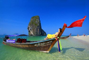 THA0320AW Long tail boat at Laem Phra Nang Beach, Krabi, Thailand