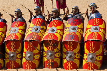 JD07099 Jordan, Jerash, Roman Army and Chariot Experience, Roman-era military show, ancient Roman turtle manouver