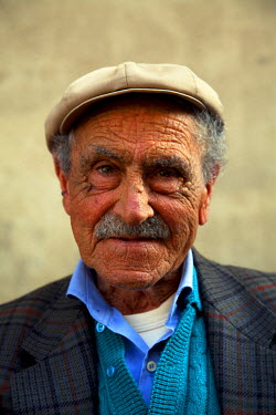 IT9590 Sicily, Italy, Western Europe; An elderly Sicilian man from Trapani