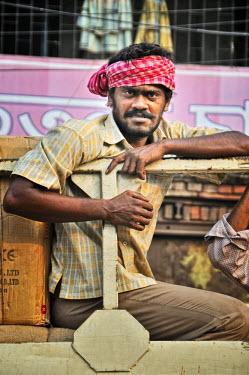 IND6825AW Calcutta porter. India
