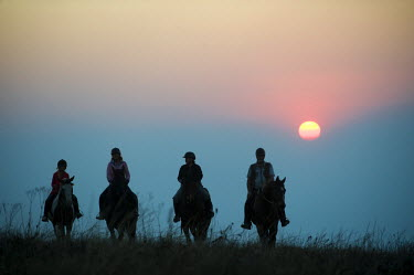 MW1472 Malawi, Zomba Plateau.  A horse riding safari is a popular way to explore Zomba Plateau.