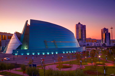KZ01068 Kazakhstan, Astana, Central Concert Hall, designed like the petals of a flower - architects: Manfredi and Luca Nicoletti, Italy