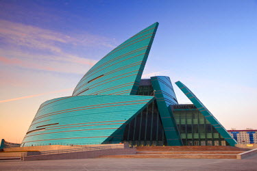 KZ01072 Kazakhstan, Astana, Central Concert Hall, designed like the petals of a flower - architects: Manfredi and Luca Nicoletti, Italy