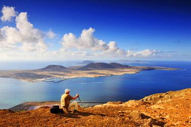 SPA3973AW Graciosa island seen from the Mirador del Rio. Lanzarote, Canary Islands