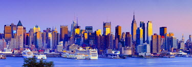 US60077 USA, New York, Manhattan, Midtown across the Hudson River