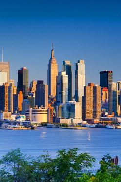 US60074 USA, New York, Manhattan, Midtown across the Hudson River
