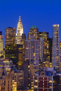US60136 USA, New York, Manhattan, Midtown, Chrysler Building in centre