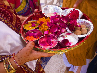 AR4294700004 Ritual objecst used in a wedding in Ahmedabad, Gujarat, India