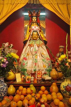 TPX28414 China, Hong Kong, Hollywood Road, Man Mo Temple, Taoist God Statues