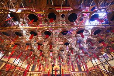 TPX28399 China, Hong Kong, Hollywood Road, Interior of Man Mo Temple, Incense Coils