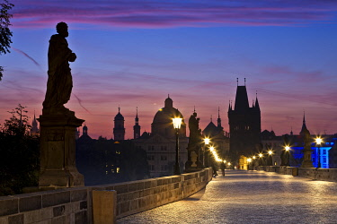 CZE1195AW Europe, Czech Republic, Central Bohemia Region, Prague. Charles Bridge.