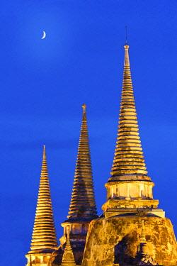 THA0372AW Thailand, Ayutthaya, Wat Phra Si Sanphet at dusk