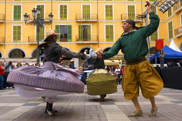 SPA4180AW Traditional dances in Palma de Mallorca, Majorca, Balearic Islands, Spain