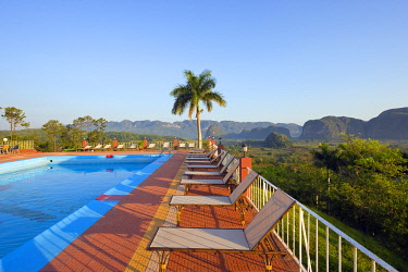 CUB1376 The Caribbean, West Indies, Cuba, Vinales Valley, Unesco World Heritage Site, swimming pool at Hotel Los Jazmines