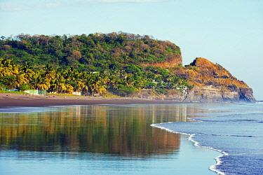 ELS0001 Central America, Pacific Coast, El Salvador, beach at Playa Sihuapilapa